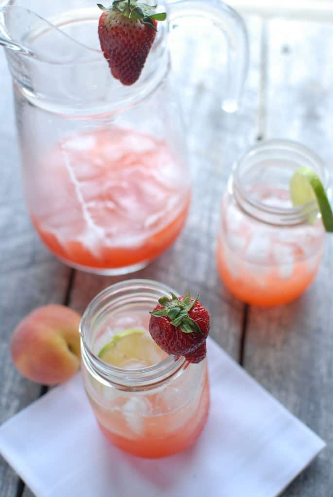 Strawberry Peach Limeade ⋆ Two Lucky Spoons